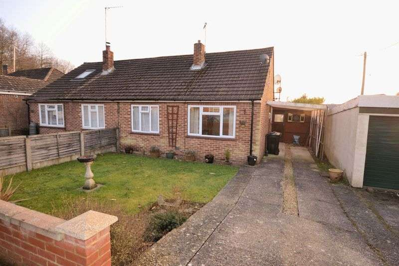 2 Bedrooms Semi Detached Bungalow for sale in Hamstreet