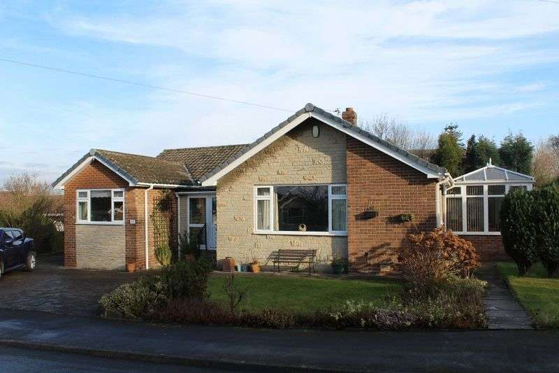 3 Bedrooms Detached Bungalow for sale in The Croft, Pontefract
