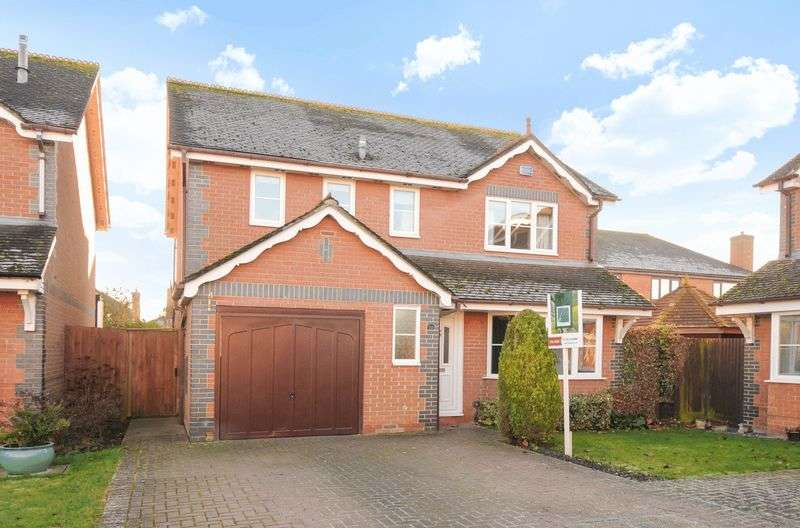 4 Bedrooms Detached House for sale in Field Gardens, Steventon