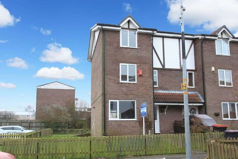 5 Bedrooms Terraced House for sale in Shawfield Close, Sutton Hill
