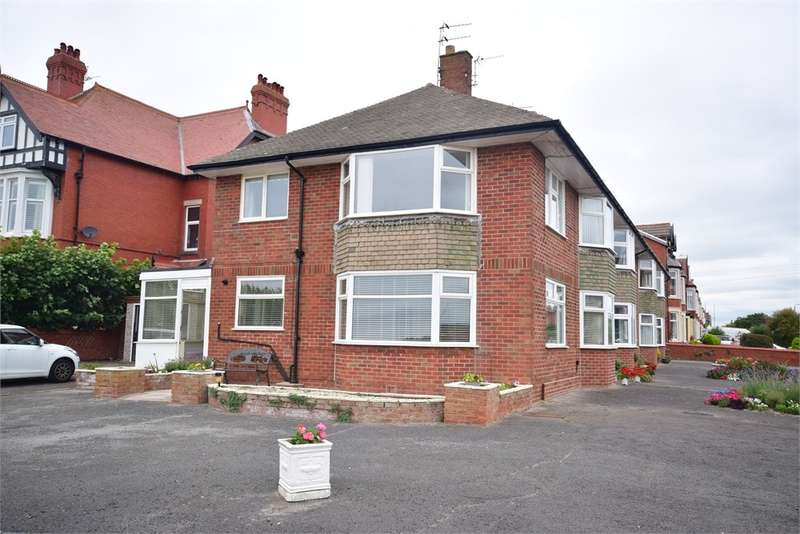 2 Bedrooms Apartment Flat for sale in Riley Avenue, LYTHAM ST ANNES, FY8