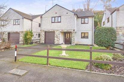 3 Bedrooms Detached House for sale in Tavistock, Devon