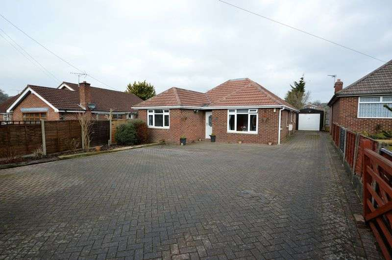 4 Bedrooms Detached Bungalow for sale in Lovedean Lane, Waterlooville