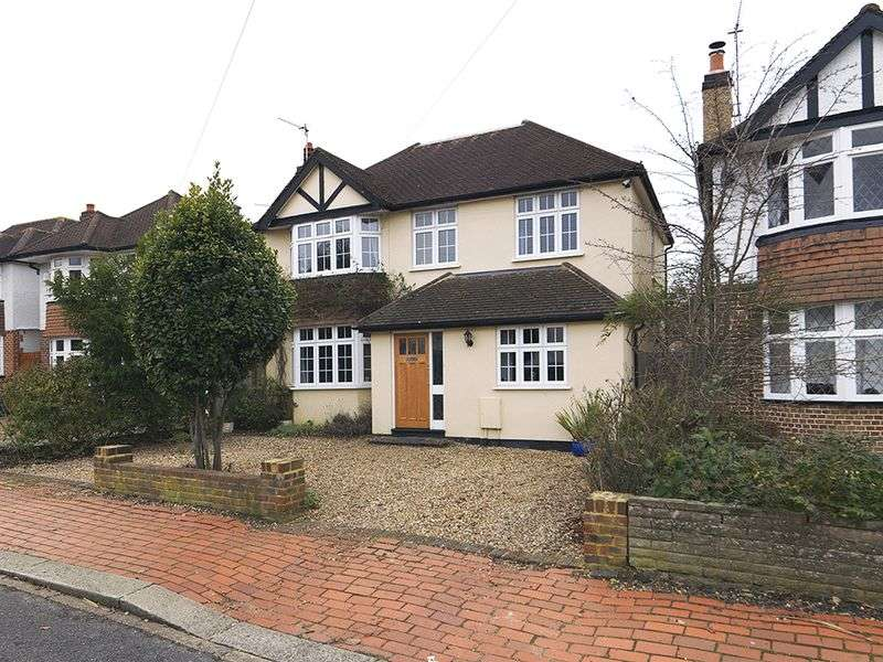 4 Bedrooms Detached House for sale in Greenwood Road, Thames Ditton, KT7