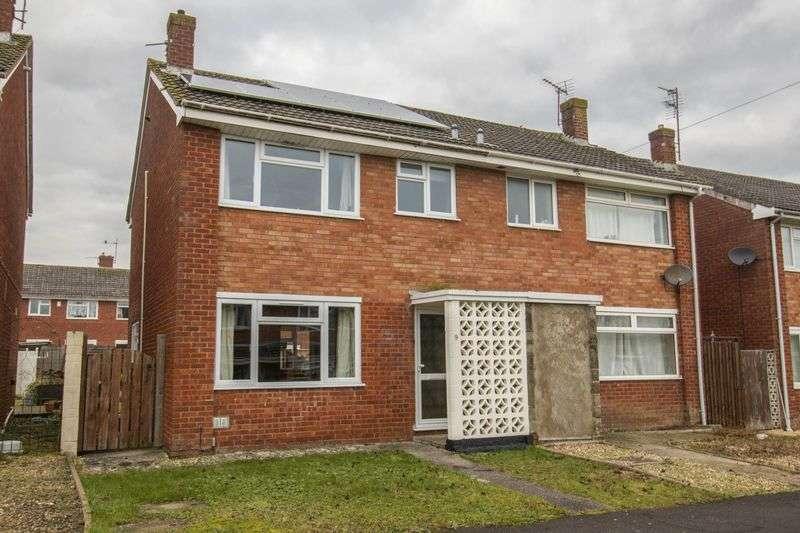 3 Bedrooms Semi Detached House for sale in Laburnum Walk, Keynsham