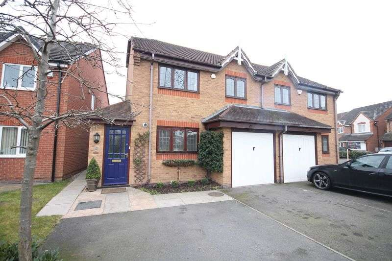 3 Bedrooms Semi Detached House for sale in BERWICK DRIVE, STENSON FIELDS.