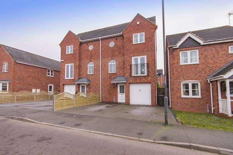 3 Bedrooms Terraced House for sale in AVON WAY, HILTON