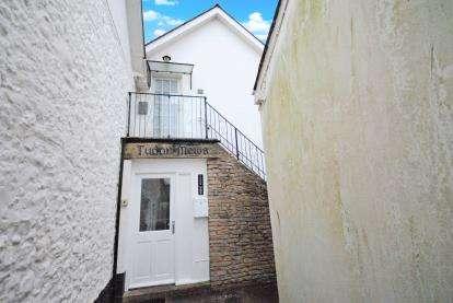 1 Bedroom Flat for sale in Chapel Street, Sidmouth, Devon