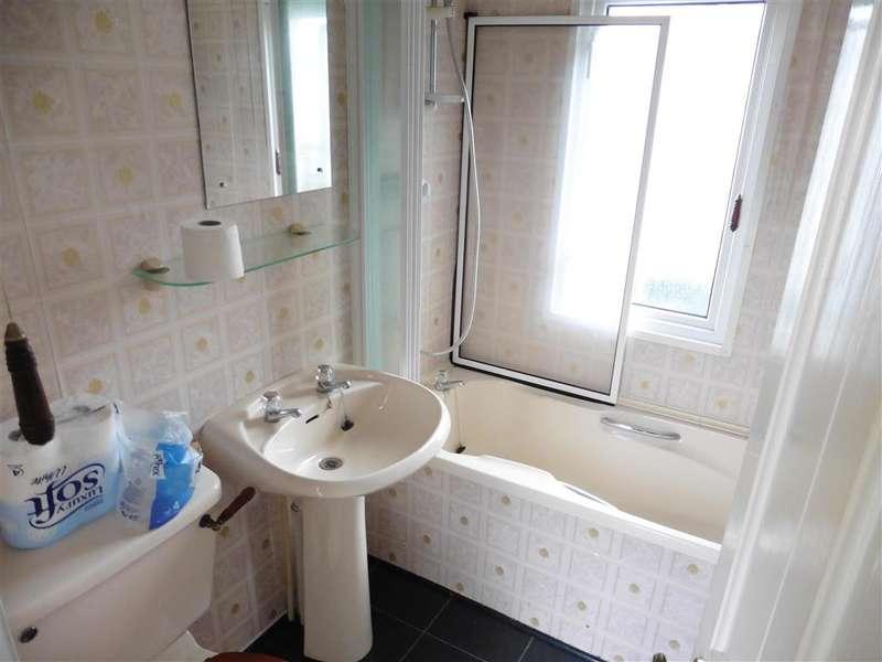 1 Bedroom Park Home Mobile Home for sale in Bonehurst Road, Horley, Surrey