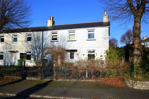 3 Bedrooms Semi Detached House for sale in Greatlands Crescent, Plymouth, Devon