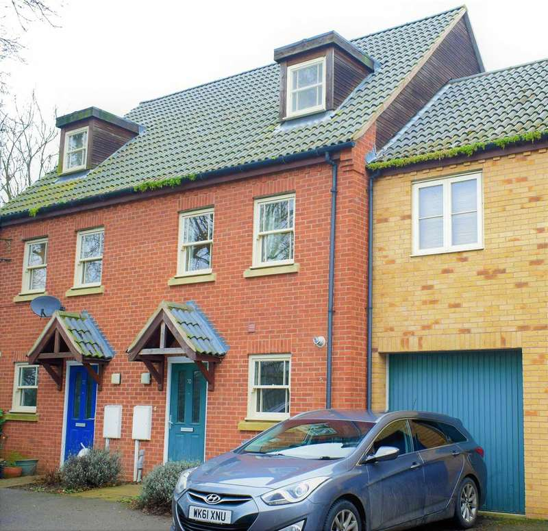 3 Bedrooms Terraced House for sale in Chapman Road, Wellingborough, NN8 1JN
