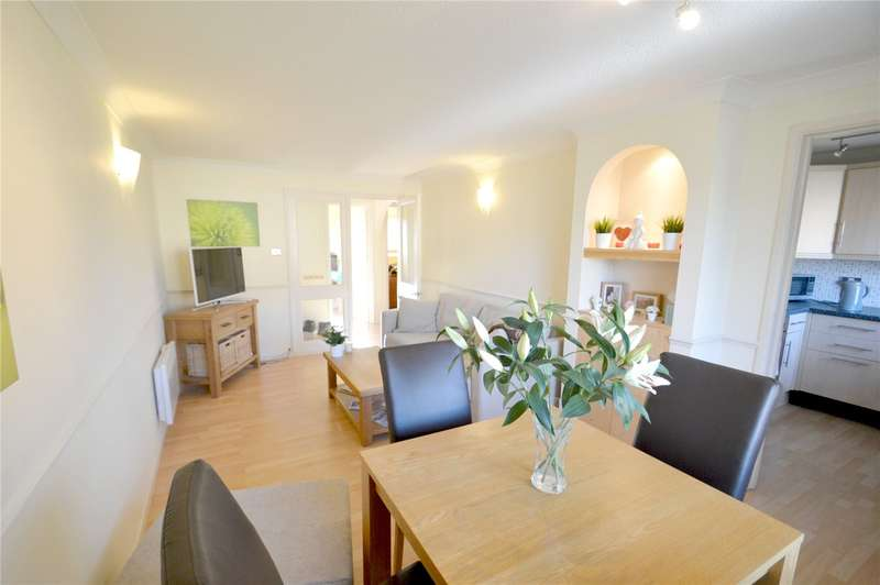 2 Bedrooms Apartment Flat for sale in Davies Close, Croydon