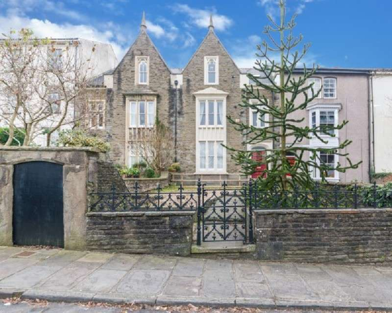 5 Bedrooms Serviced Apartments Flat for sale in Clifton Place, Off Stow Hill, Newport. NP20 4EX