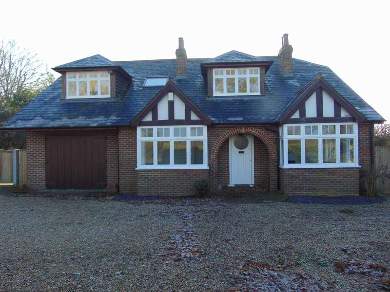 5 Bedrooms Detached House for sale in Bromley Green Road, Ruckinge
