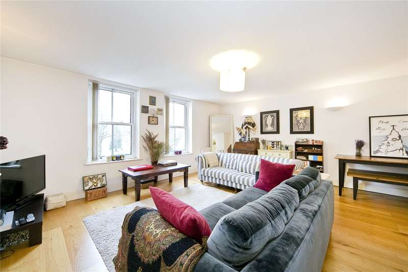 3 Bedrooms Flat for sale in Martello Street, Hackney, E8
