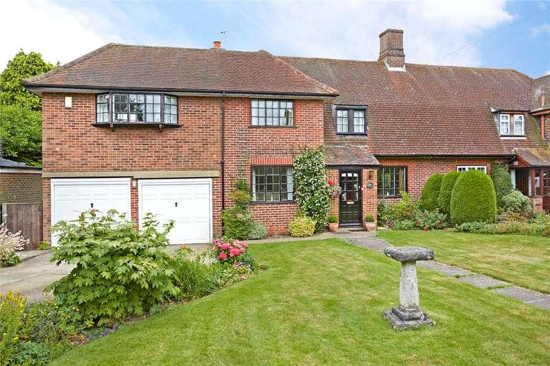 4 Bedrooms Semi Detached House for sale in Meadow Way, Burgh Heath, Tadworth, Surrey, KT20