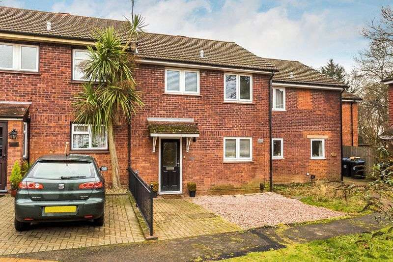 3 Bedrooms Terraced House for sale in The Greenway, OXTED, Surrey