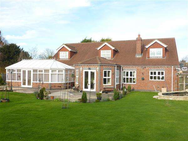 4 Bedrooms Detached House for sale in HUMBERSTON AVENUE, HUMBERSTON, CLEETHORPES