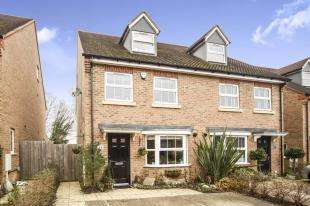 4 Bedrooms House for sale in White Hill Close, Caterham, Surrey, .
