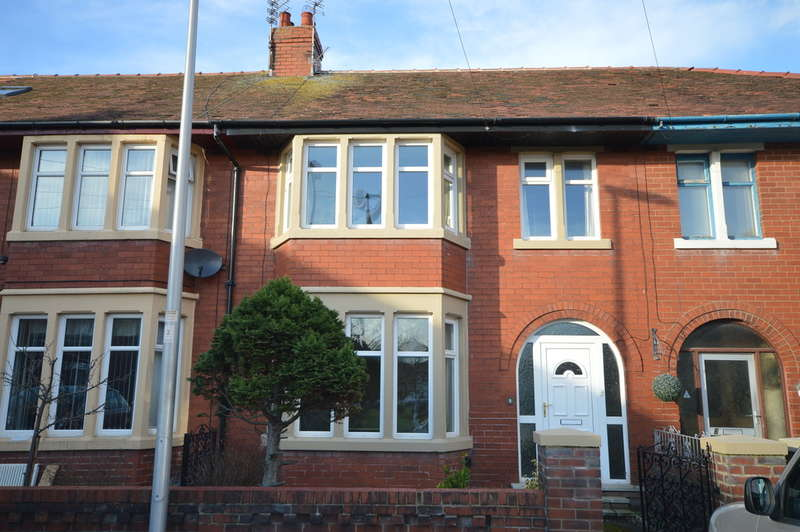 3 Bedrooms Terraced House for sale in Elswick Place, South Shore