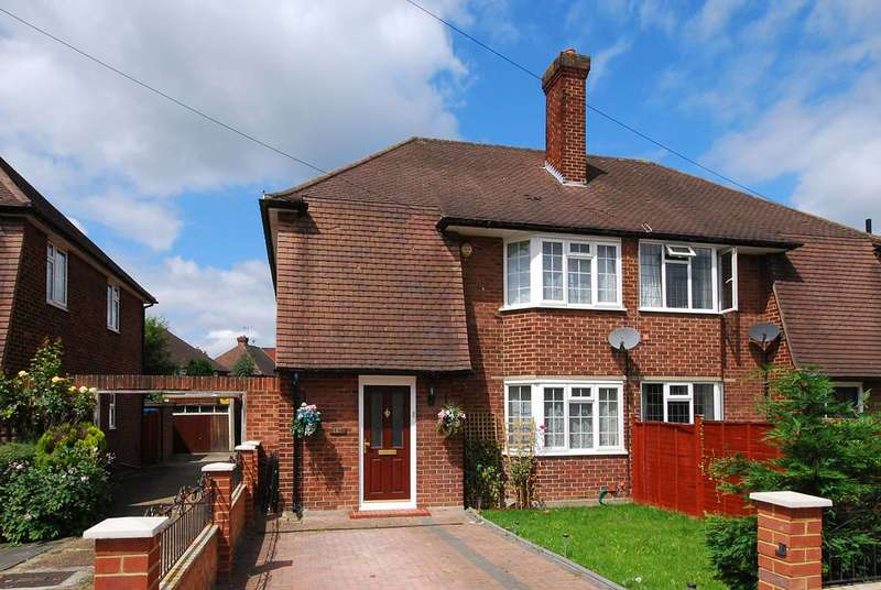 3 Bedrooms Semi Detached House for sale in Claremont Avenue, New Malden, KT3