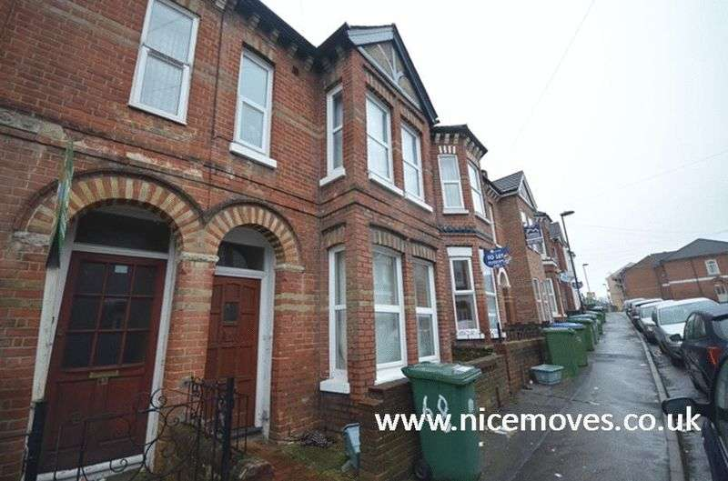8 Bedrooms Terraced House for rent in Tennyson Road, Southampton - Eight Bed Student Let Offered Fully Furnished