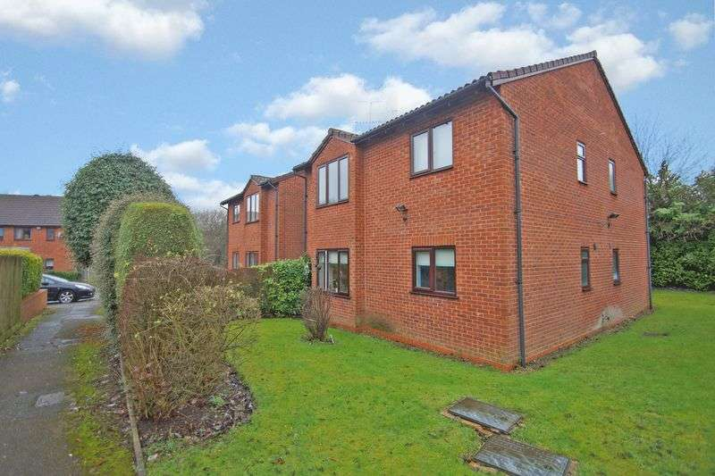1 Bedroom Flat for sale in Mayfield Close, Catshill. Bromsgrove