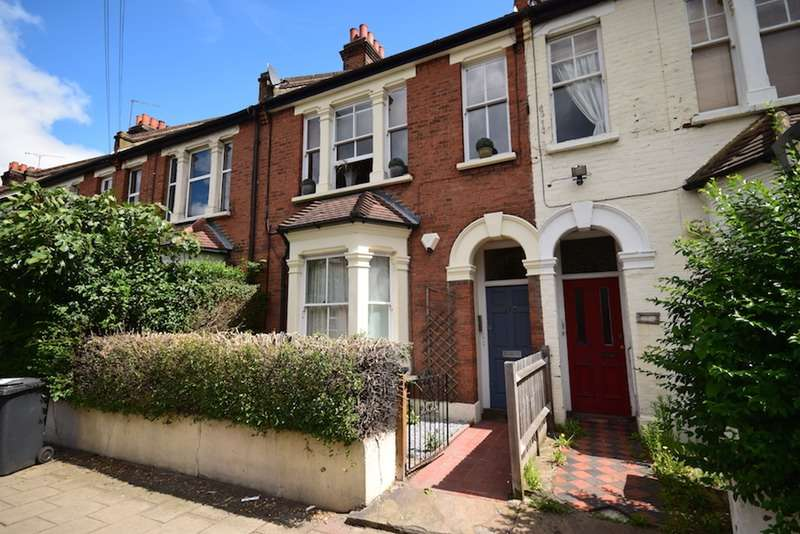 3 Bedrooms Flat for sale in Cavendish Road, London, London, SW12