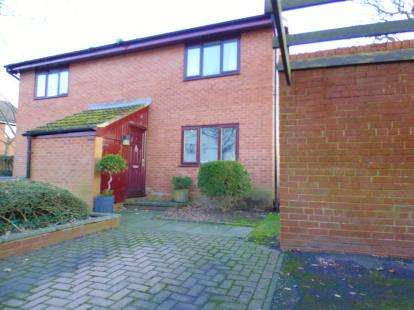1 Bedroom Flat for sale in Golf View, Ingol, Preston, Lancashire