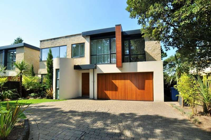4 Bedrooms Detached House for sale in Canford Cliffs, Poole