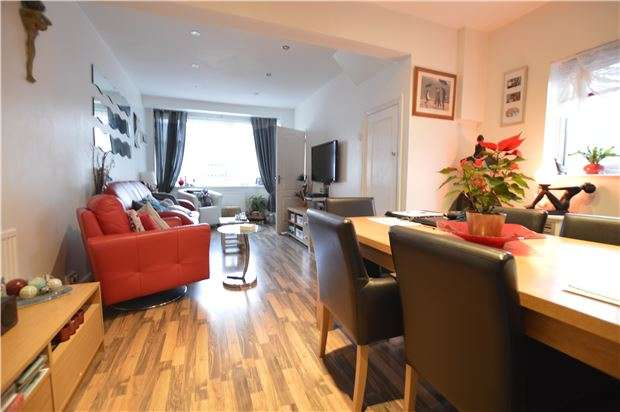 2 Bedrooms Semi Detached House for sale in Mildenhall Drive, St Leonards, TN37 7EE