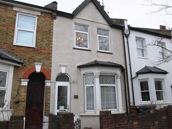 2 Bedrooms Terraced House for sale in York Road, Walthamstow
