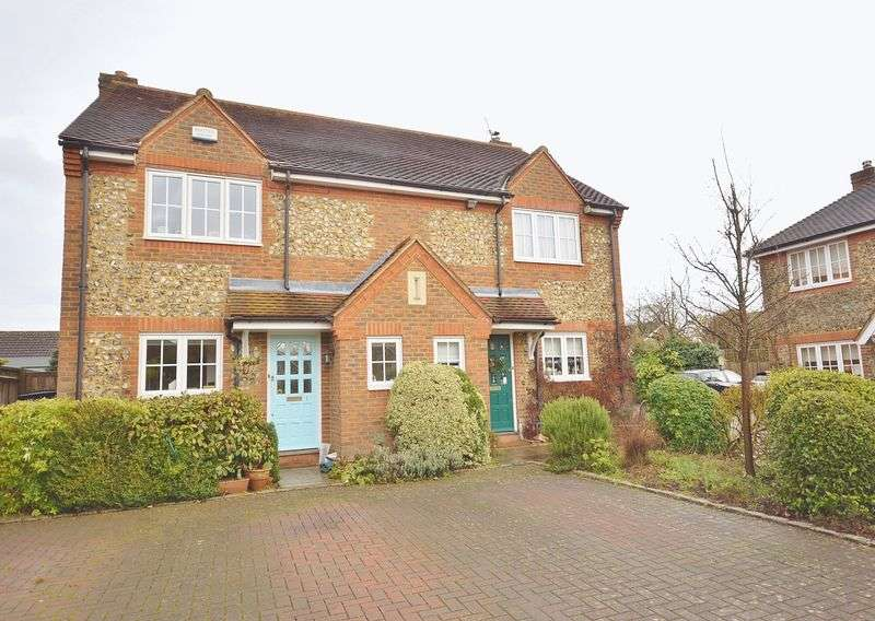 3 Bedrooms Semi Detached House for sale in Longwick