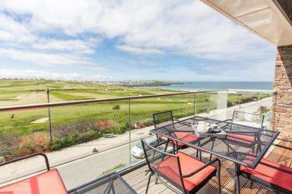 3 Bedrooms Flat for sale in 20 Headland Road, Newquay, Cornwall