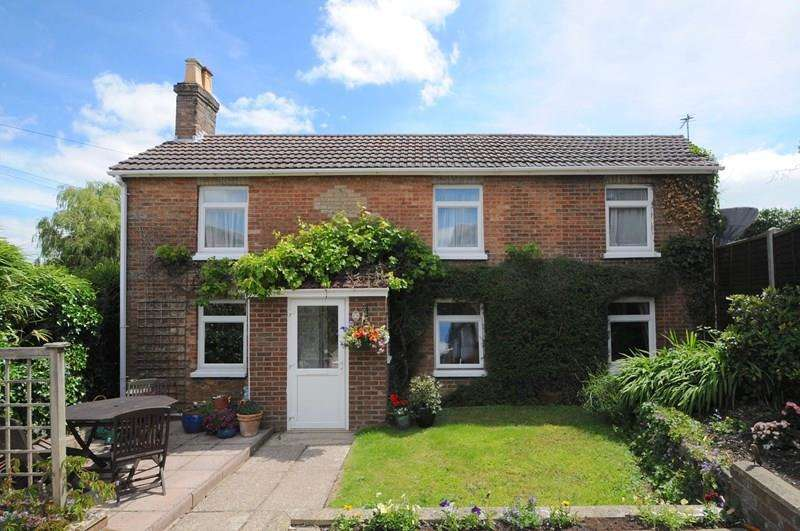 3 Bedrooms Detached House for sale in Dunford Road, Parkstone, Poole