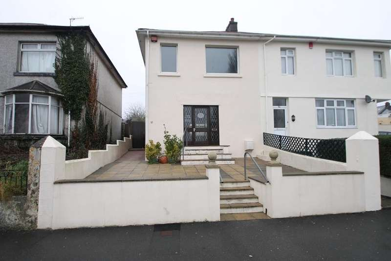 3 Bedrooms Semi Detached House for sale in St Judes
