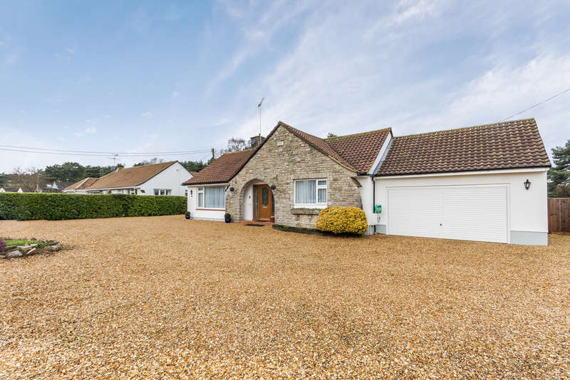 2 Bedrooms Detached Bungalow for sale in St Leonards, Ringwood, Hampshire