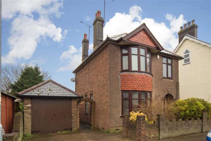 4 Bedrooms Property for sale in Lovers Walk, Dunstable, Bedfordshire, LU5