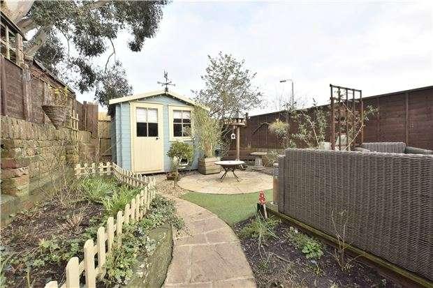 2 Bedrooms Flat for sale in Hill Street, Kingswood, BS15 4EZ