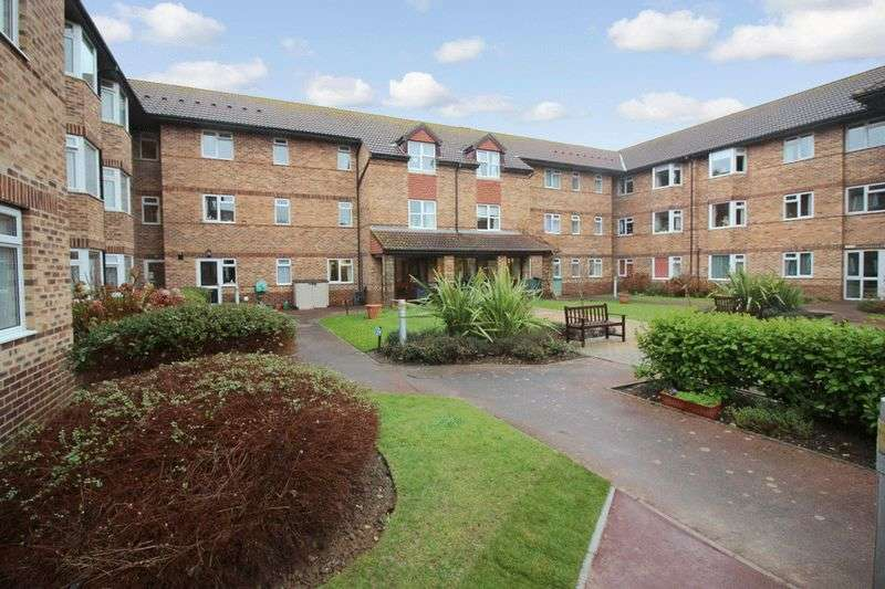 2 Bedrooms Retirement Property for sale in Kings Hall, Worthing, BN11 2BS