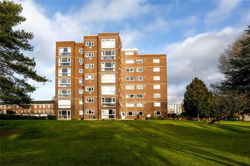 2 Bedrooms Flat for sale in Cherwell Court, Broom Park, Teddington, TW11