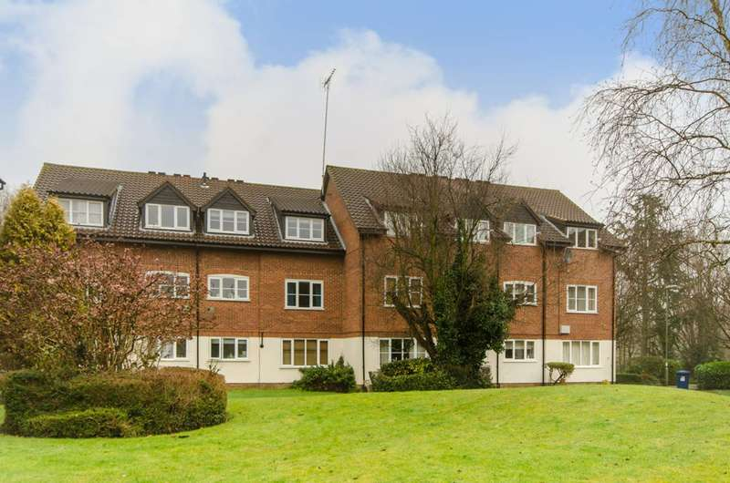 2 Bedrooms Flat for sale in Galdana Avenue, Barnet, EN5