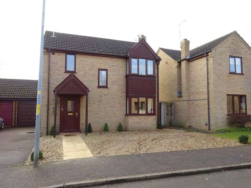 3 Bedrooms Detached House for sale in Cameron Green, Taverham, Norwich