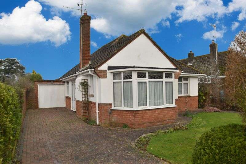 2 Bedrooms Detached Bungalow for sale in MIDHURST DRIVE