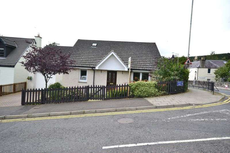 3 Bedrooms House for sale in 1 Princes Street, Innerleithen, EH44 6JT