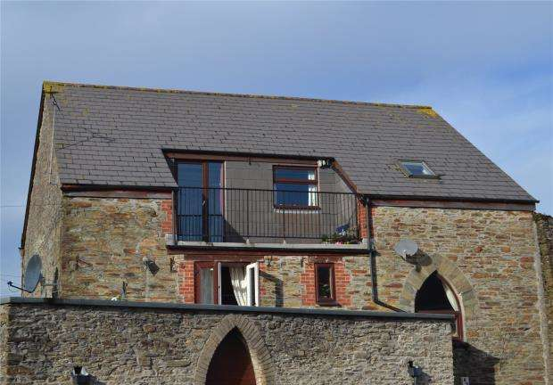 2 Bedrooms Flat for sale in Newport, Callington, Cornwall