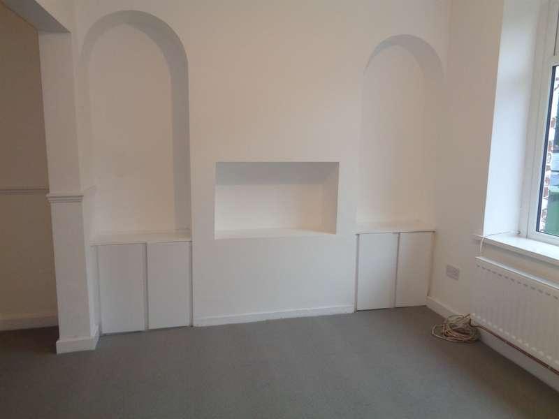 3 Bedrooms Terraced House for sale in Arvonia Terrace, Fleur De Lis, Blackwood