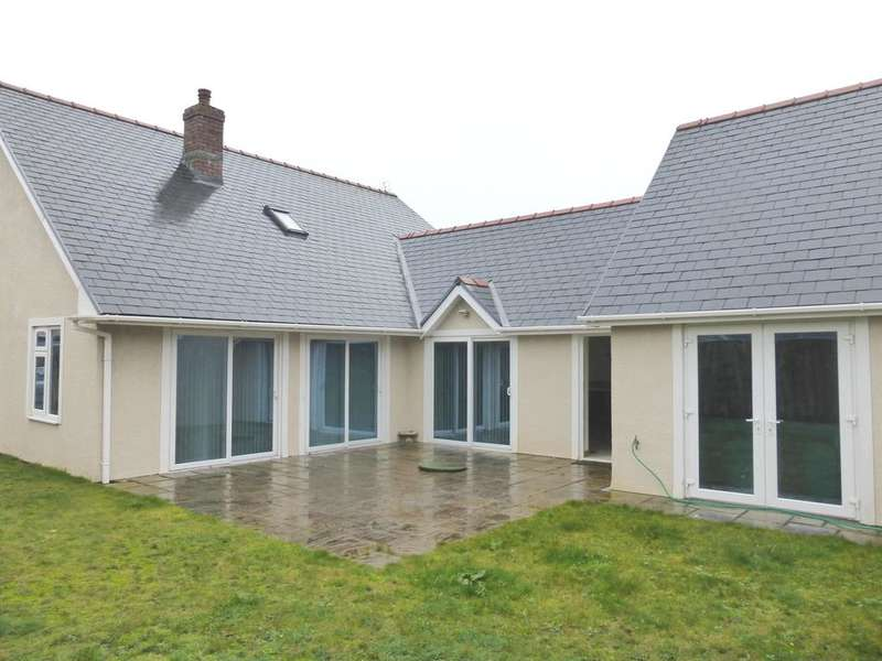 3 Bedrooms Detached House for sale in Blundell Court, Porthcawl