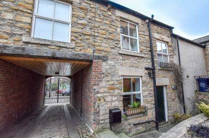 2 Bedrooms Terraced House for sale in Brewery Stables, Blandford Square, Newcastle Upon Tyne, Tyne and Wear, NE1