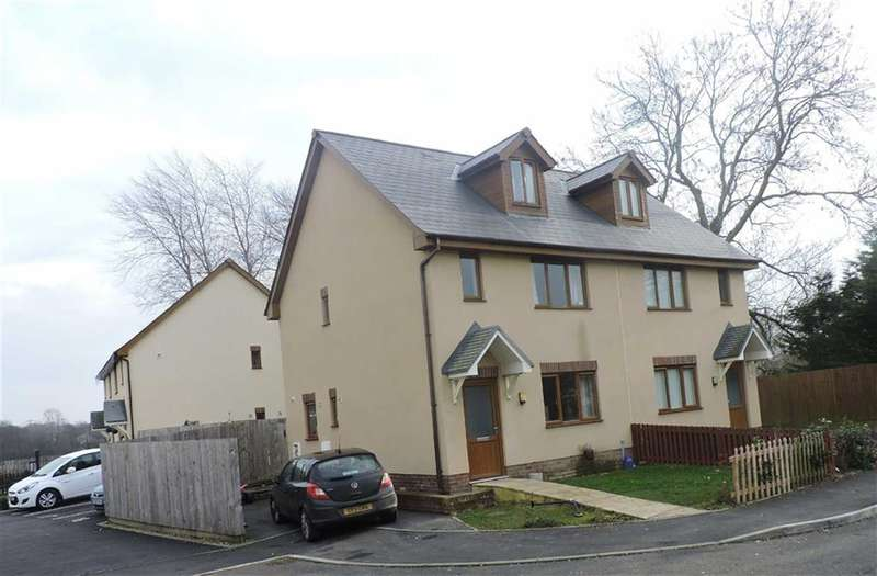 3 Bedrooms Property for sale in Llys Y Brenin, Whitland, Carmarthenshire